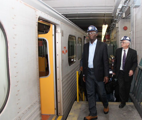 Governor Fashola inspecting the trains with Michael Schabas (Eko Rail)