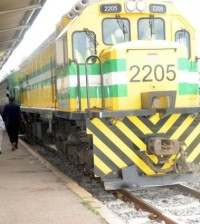 PIC 19 LAGOS - ILORIN MASS TRAIN  ARRIVES IBADAN ON IT'S WAY TO ILORIN AFTER FLAG-OFF IN LAGOS ON FRIDAY (28/10/11).