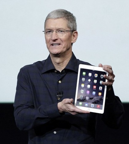 Tim Cook - iPad Air 2
